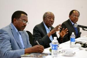 L-R: Secretary to the Treasury Fredson Yamba; Minister of Finance Alexander Chikwanda; Bank of Zambia Governor Michael Gondwe. Photo source: Lusaka Times